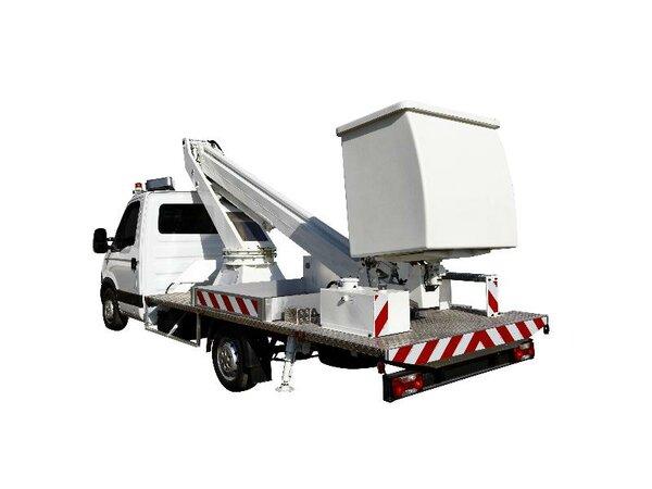 Camion nacelle téléscopique 16m
